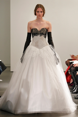 vera wang bridal fashion week spring summer 2014 black bodice and tulle skirt