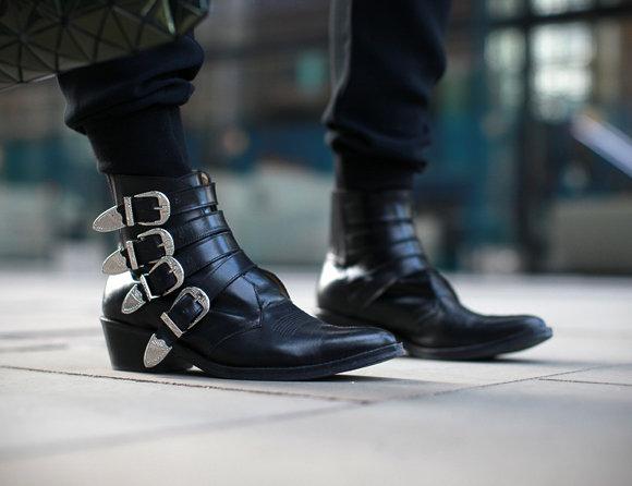 r4 redb boots