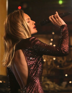 kate bosworth in topshop christmas film_gb