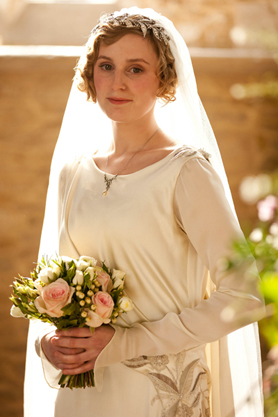 downton_abbey_lady_edith_wedding_dress_crop_2