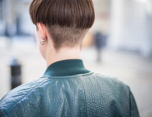 alice w backhead 1