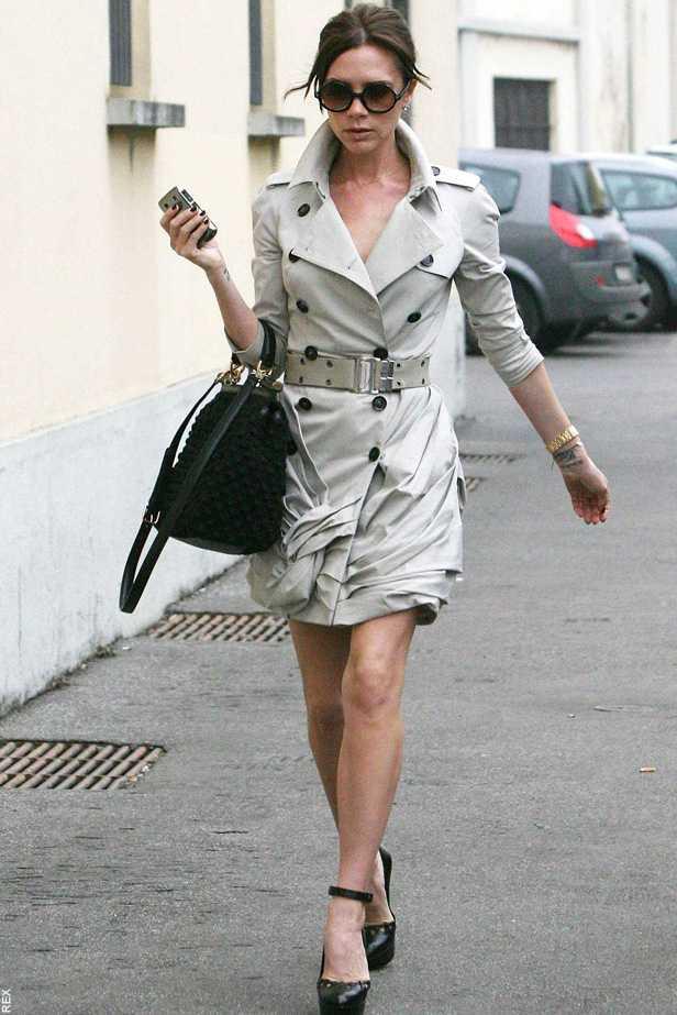 victoria beckham trench coat ile ilgili görsel sonucu