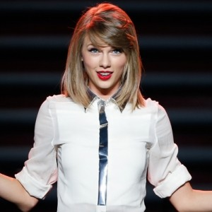 Taylor Swift Will Now Answer Your Texts For You