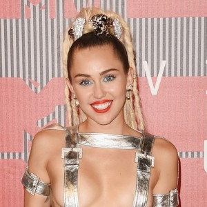 VMAs 2015: All The Best Beauty Looks