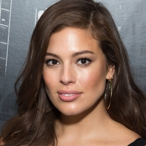 Ashley Graham Lands Sports Illustrated Swimsuit Cover