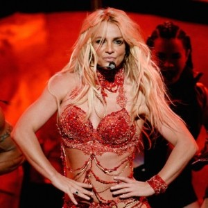 Watch Britney Spears Slay the Billboard Music Awards 2016