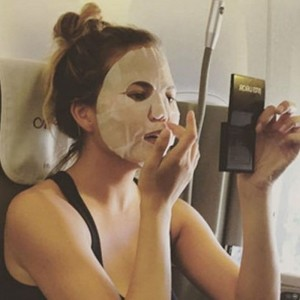 How 7 Beauty Experts Make Sure Their Faces Don't Get Destroyed by a Long Flight