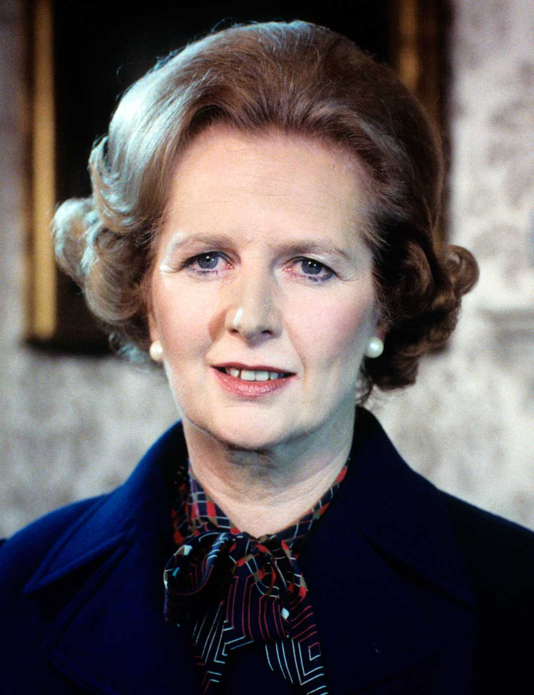 margaret thatcher Margaret hilda thatcher, baroness thatcher, lg, om, pc, frs, fric (née roberts 13 october 1925 – 8 apryle 2013) wis a breetish stateswumman, wha served as prime meenister o the unitit kinrick frae 1979 tae 1990 an as leader o the conservative pairty frae 1975 tae 1990.